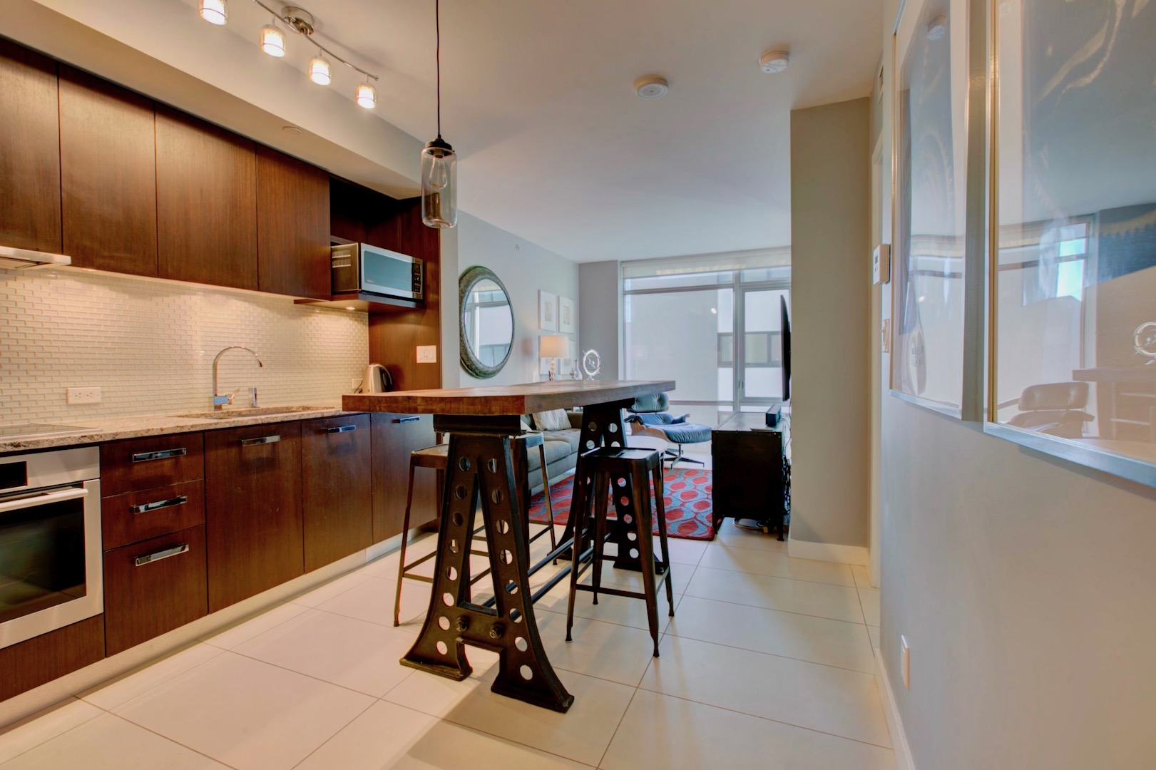 FEATURED LISTING: 706 1028 Barclay Street Vancouver