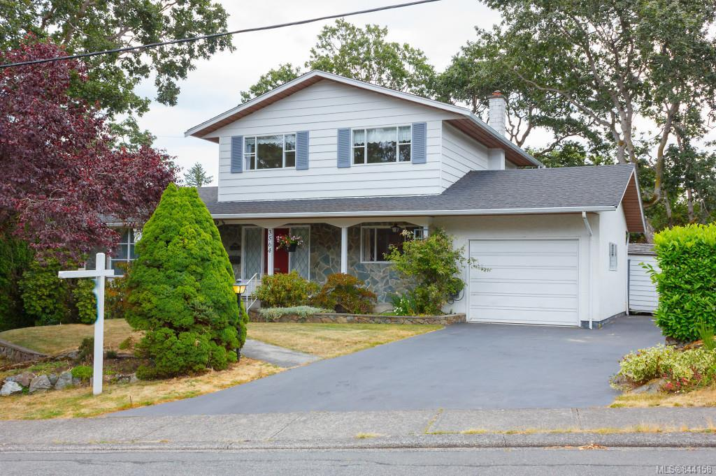 FEATURED LISTING: 3564 Redwood Ave Oak Bay