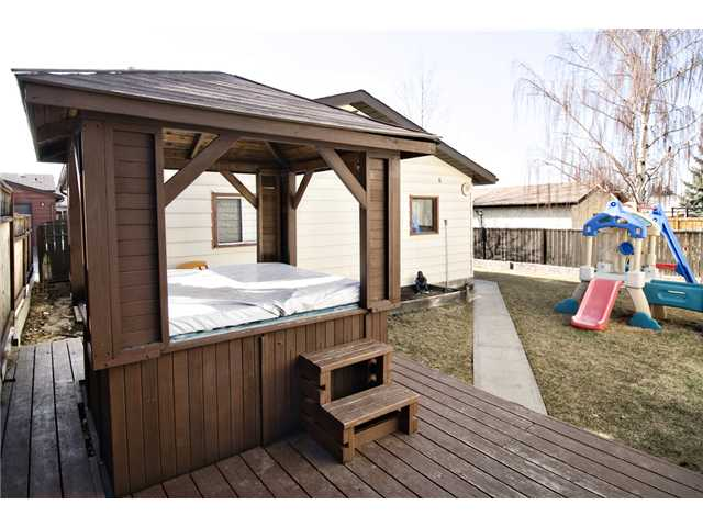 Photo 15: 56 BERGEN Crescent NW in CALGARY: Beddington Residential Detached Single Family for sale (Calgary)  : MLS® # C3516903