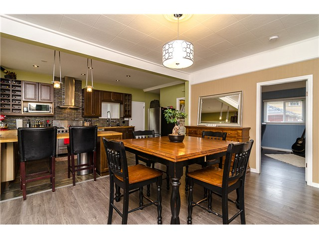 FEATURED LISTING: 235 9TH Street New Westminster