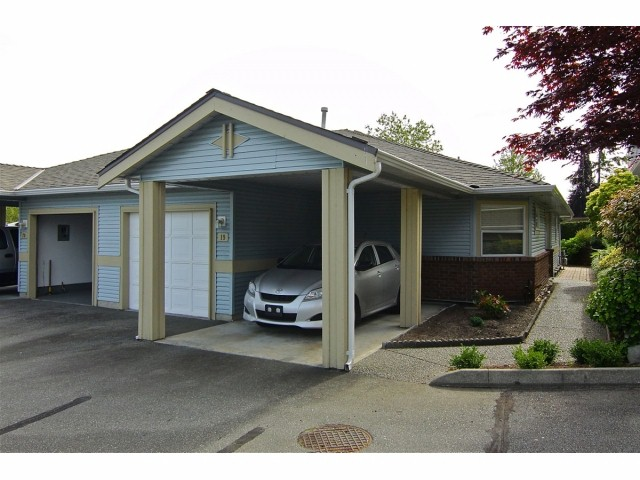 "Main Photo: 19 8889 212 Street in LANGLEY: Walnut Grove Townhouse for sale in ""GARDEN TERRACE"" (Langley)  : MLS®# F1313371"