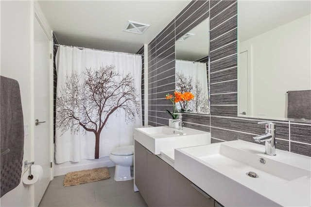Photo 3: 5 Hanna Ave Unit #445 in Toronto: Niagara Condo for sale (Toronto C01)  : MLS® # C3551113