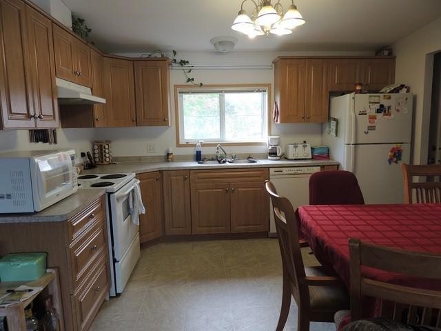 Main Photo: 33856 GILMOUR Drive in Abbotsford: Central Abbotsford Manufactured Home for sale : MLS® # F1306218