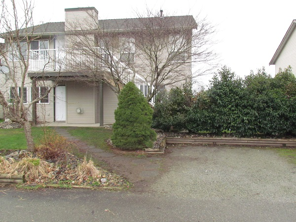 Main Photo: Bsmt 34644 Farmer Road in Abbotsford: Huntington Condo for rent