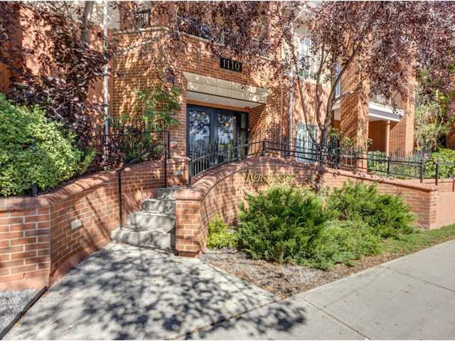 Main Photo: 122 1110 5 Avenue NW in CALGARY: Hillhurst Townhouse for sale (Calgary)  : MLS®# C3584340