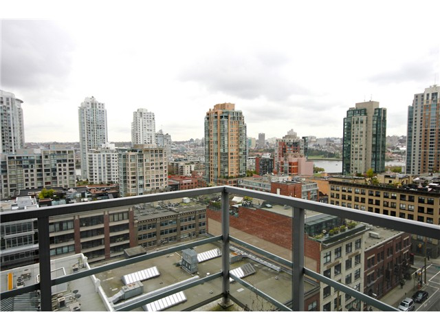 "Main Photo: 1305 1133 HOMER Street in Vancouver: Yaletown Condo for sale in ""H&H"" (Vancouver West)  : MLS® # V1000514"