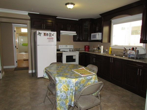 Main Photo: Bsmt 2191 Martens Street in Abbotsford: Abbotsford West Condo for rent