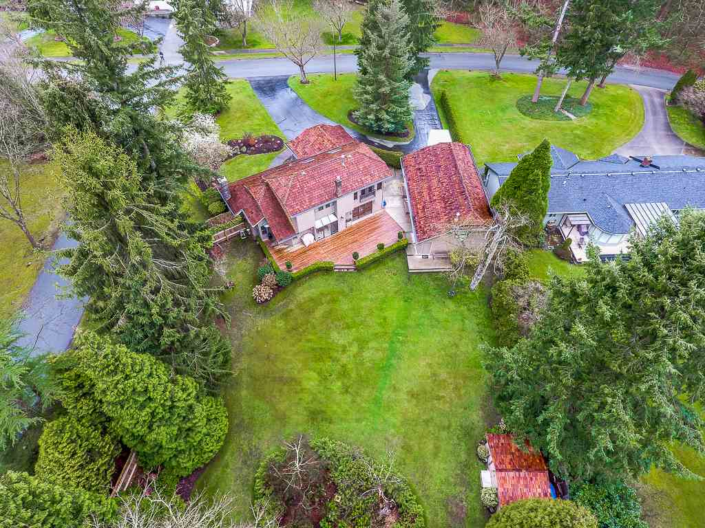 FEATURED LISTING: 2916 COUNTRY WOODS Drive Surrey