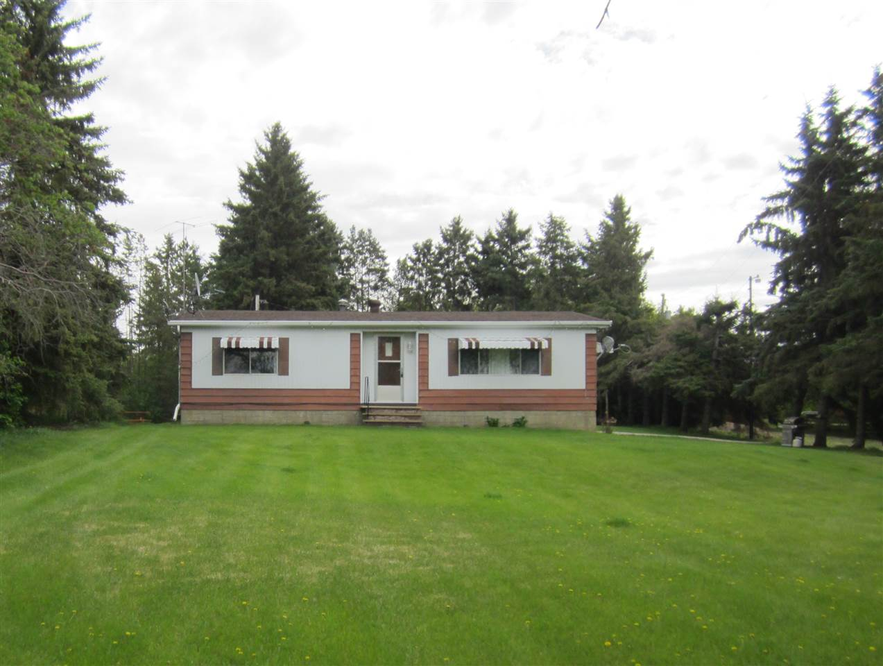 FEATURED LISTING: 545063 - Hwy 893 Rural Vermilion River County
