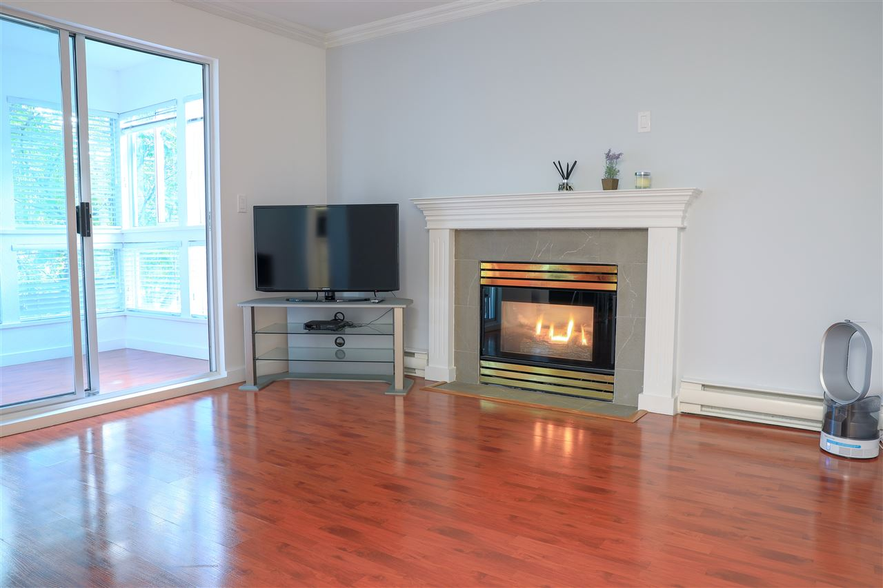 FEATURED LISTING: 206 2133 DUNDAS Street Vancouver
