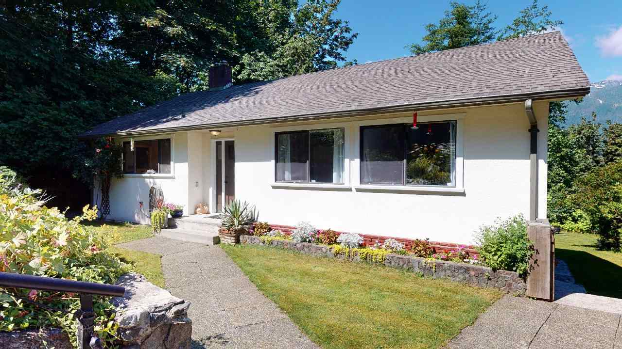 FEATURED LISTING: 38151 CLARKE Drive Squamish