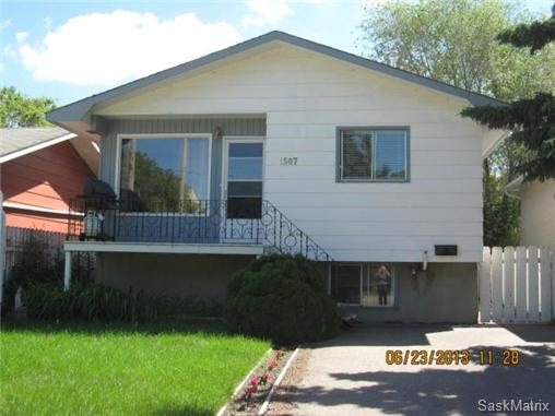 Main Photo: 1507 Central Avenue in Saskatoon: Forest Grove Single Family Dwelling for sale (Saskatoon Area 01)  : MLS® # 467641