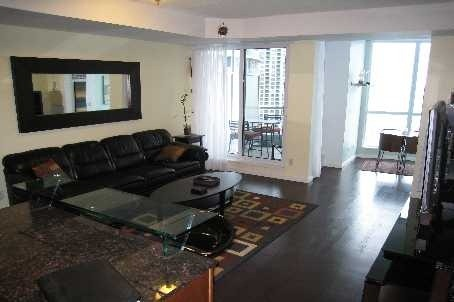 Main Photo: 218 Queens Quay W Unit #2603 in Toronto: Waterfront Communities C1 Condo for lease (Toronto C01)  : MLS® # C2807989