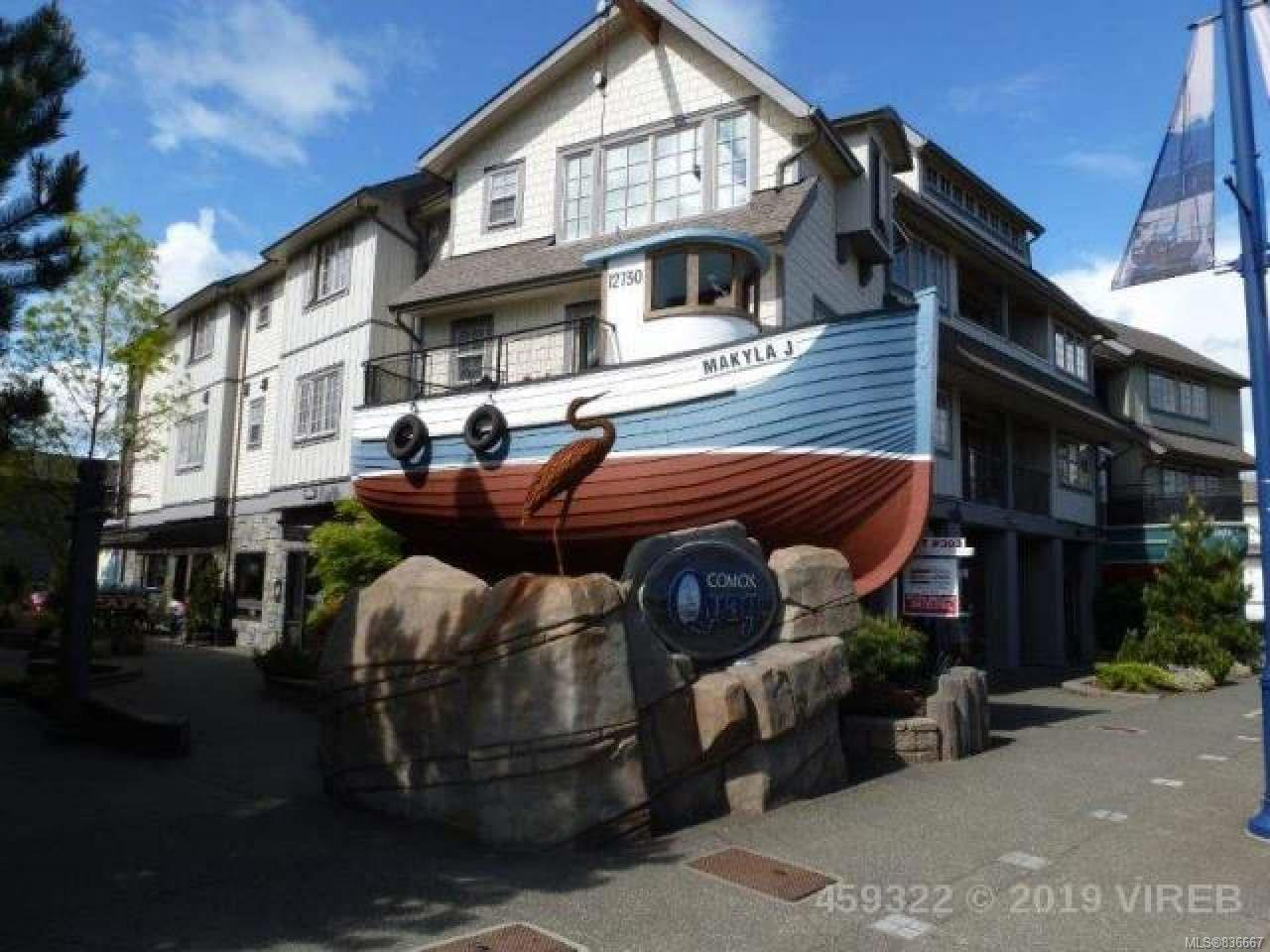 FEATURED LISTING: 203 - 1695 Comox Ave COMOX