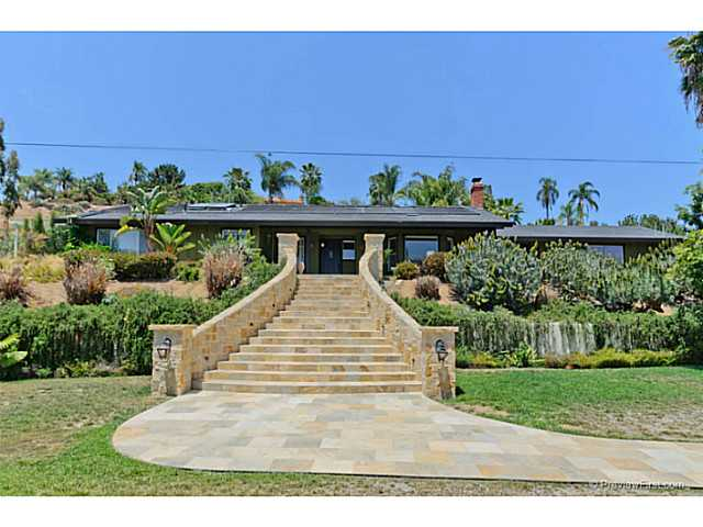 Main Photo: VISTA House for sale : 3 bedrooms : 691 Ora Avo Drive
