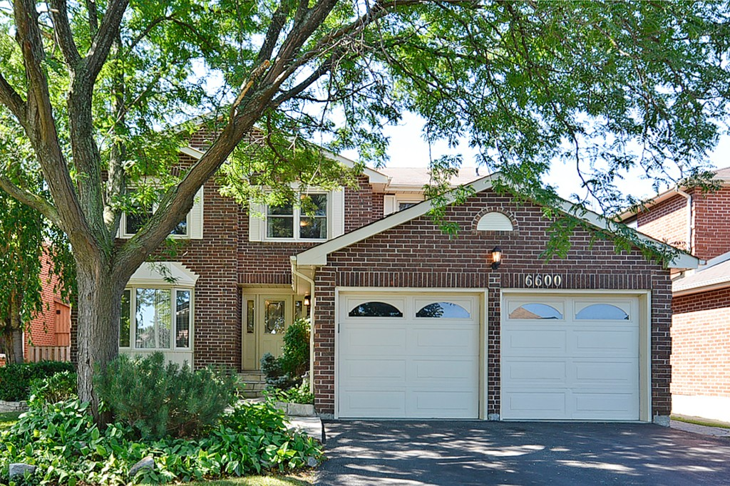 Main Photo: 6600 Miller's Grove in Mississauga: Meadowvale House (2-Storey) for sale : MLS® # W3009696
