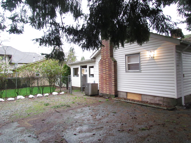 Main Photo: 34046 Old Yale Road in Abbotsford: Abbotsford East House for rent