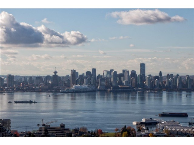 Main Photo: 1604 1320 Chesterfield Avenue in North Vancouver: Central Lonsdale Condo for sale : MLS®# V1035502