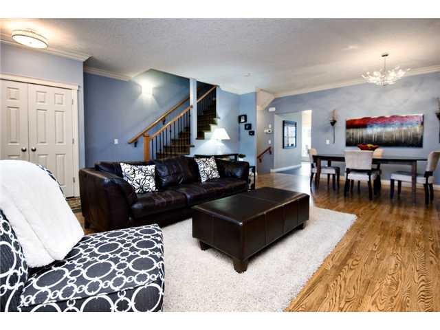 Photo 8: 187 YPRES Green SW in CALGARY: Garrison Woods Townhouse for sale (Calgary)  : MLS® # C3520663