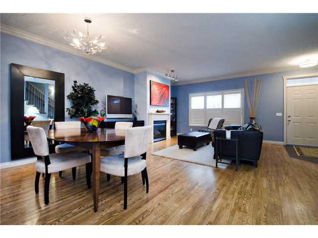 Photo 9: 187 YPRES Green SW in CALGARY: Garrison Woods Townhouse for sale (Calgary)  : MLS® # C3520663