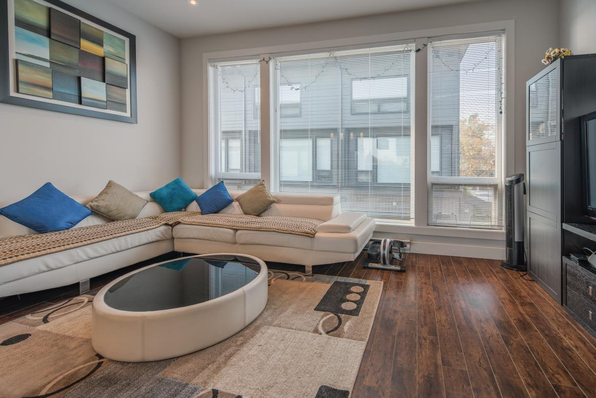 FEATURED LISTING: D 6688 DUFFERIN Avenue Burnaby