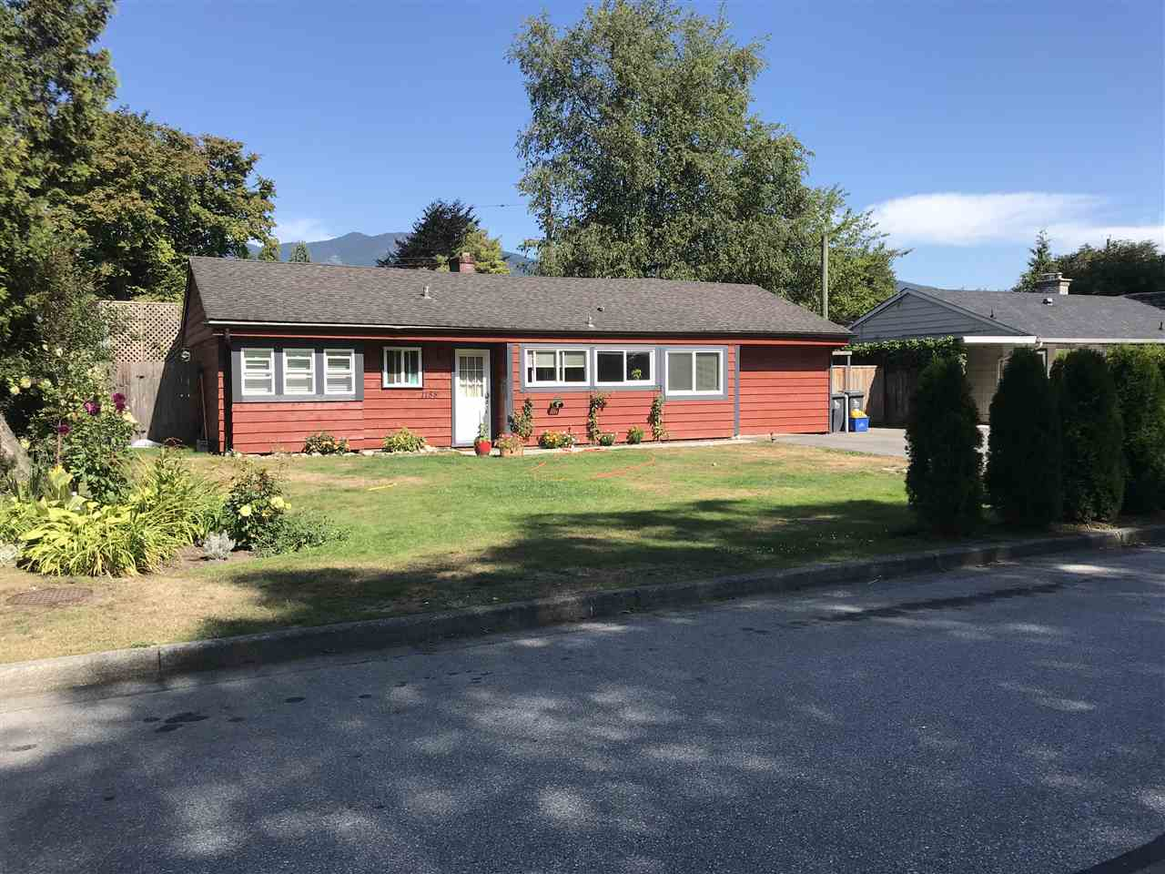 FEATURED LISTING: 1158 PINEWOOD Crescent North Vancouver