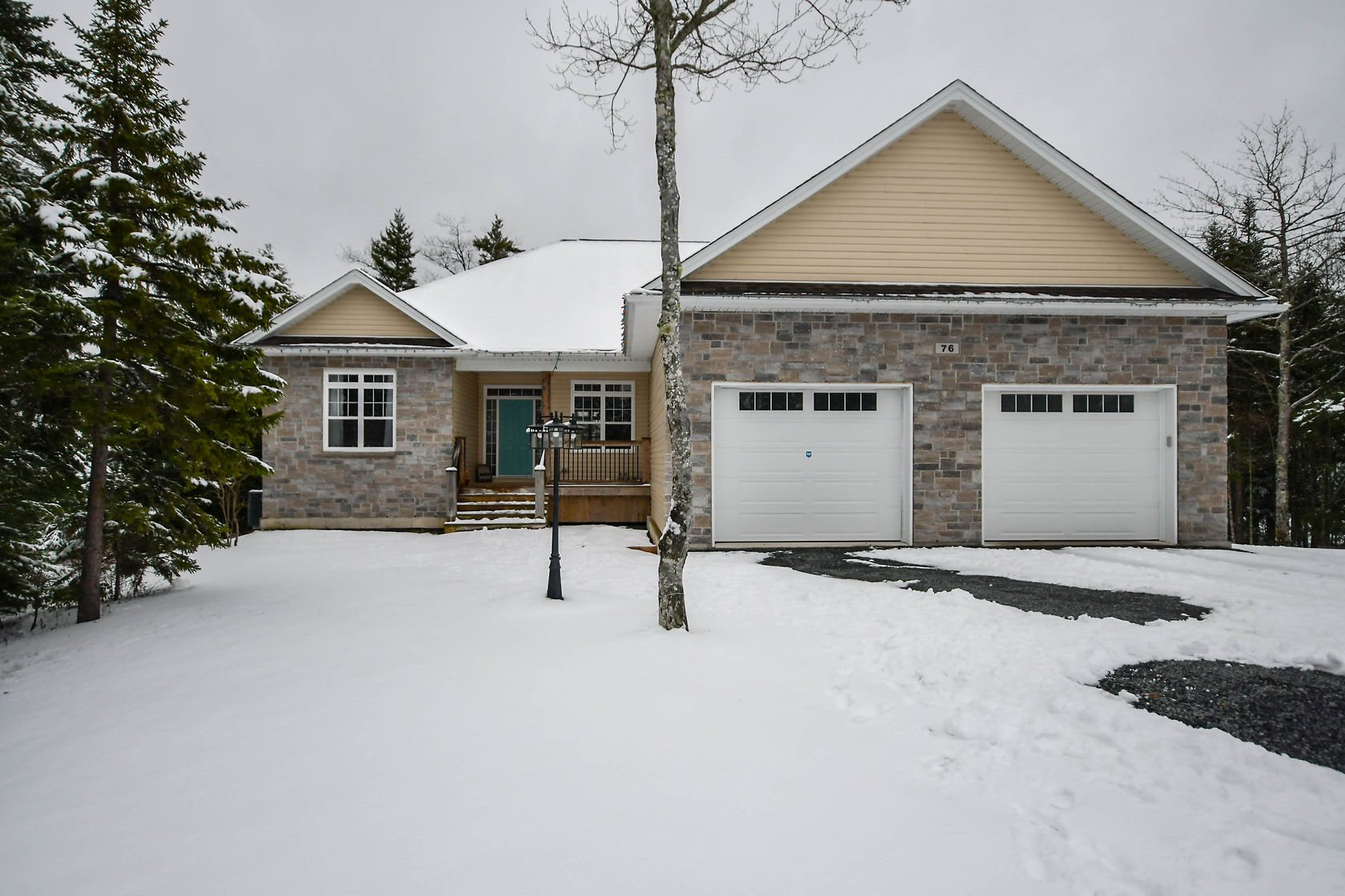 FEATURED LISTING: 76 Summerwood Lane Hammonds Plains