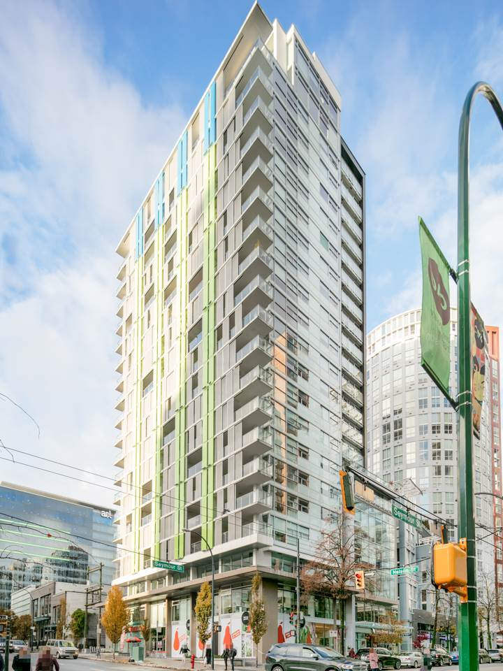 FEATURED LISTING: 1502 - 999 SEYMOUR Street Vancouver