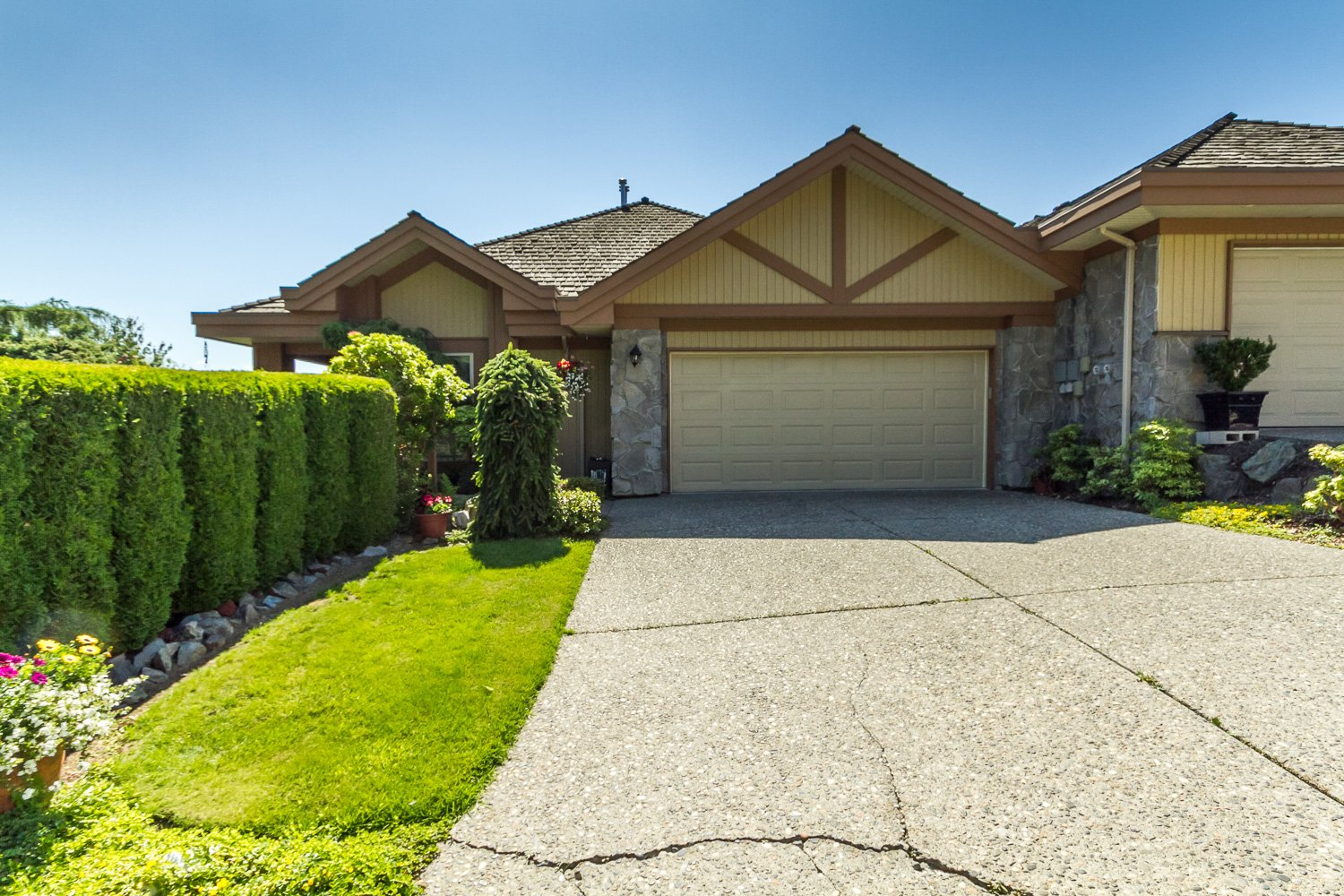 FEATURED LISTING: 17 35931 Empress Drive Abbotsford