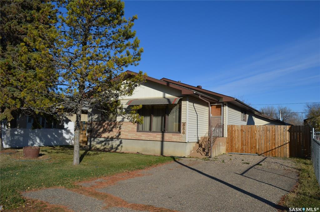 FEATURED LISTING: 866 16th Street West Prince Albert