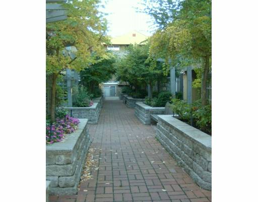 "Photo 4: 795 W 8TH Ave in Vancouver: Fairview VW Townhouse for sale in ""DOVER POINT"" (Vancouver West)  : MLS® # V616095"