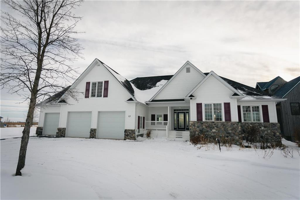 FEATURED LISTING: 13 SUNRISE Drive Gimli Rm