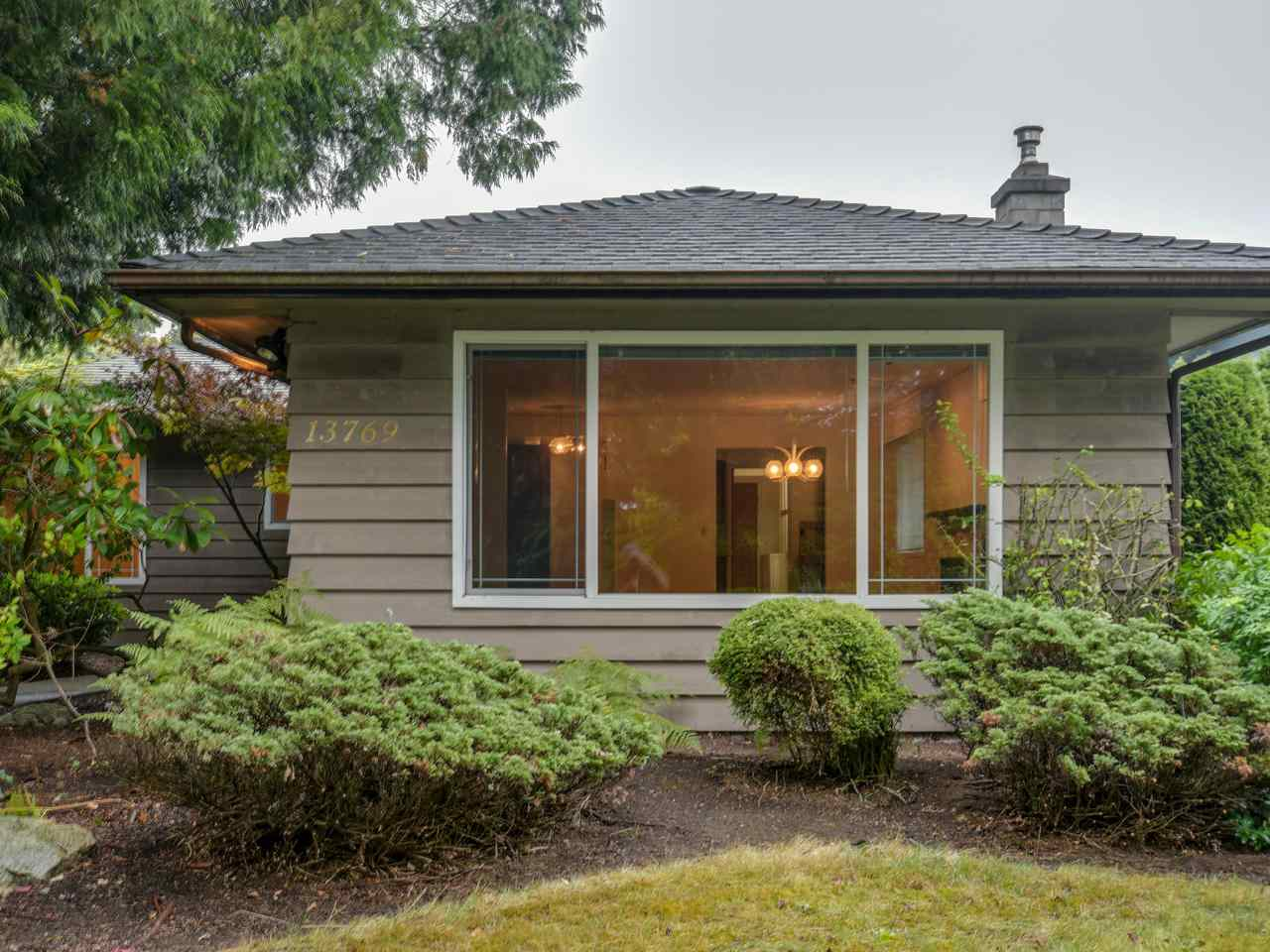 FEATURED LISTING: 13769 MALABAR Avenue White Rock