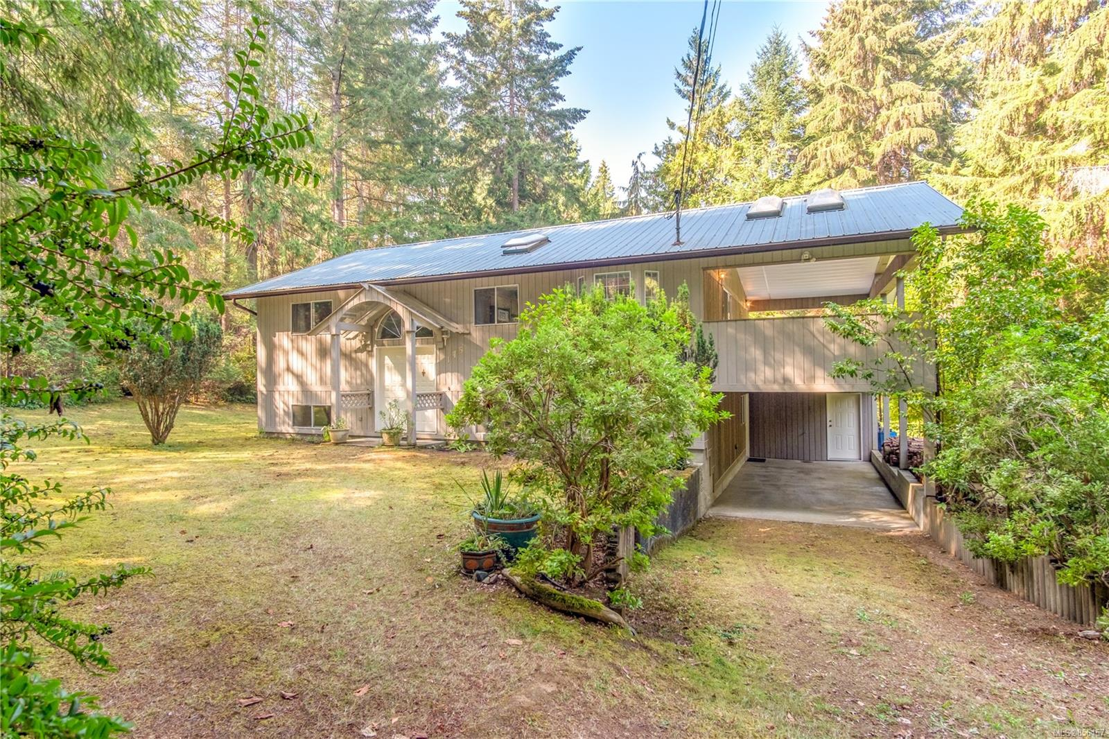 FEATURED LISTING: 175 GABRIOLA Cres