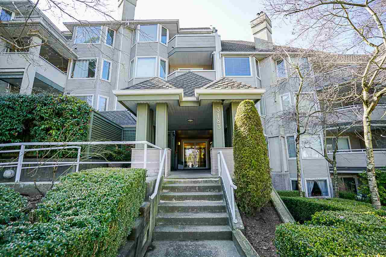 FEATURED LISTING: 408 - 3183 ESMOND Avenue Burnaby