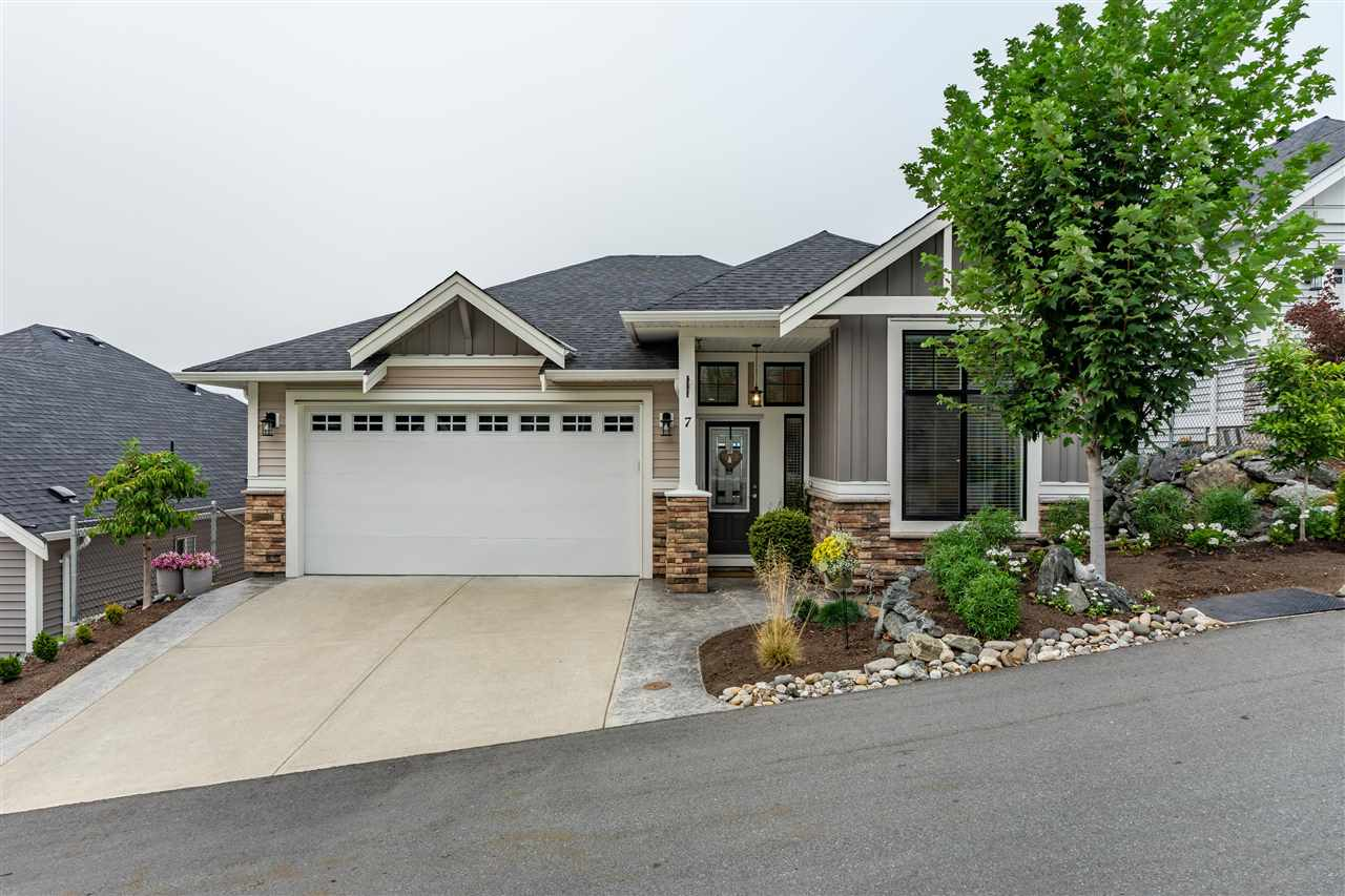 FEATURED LISTING: 7 - 47045 SYLVAN Drive Chilliwack