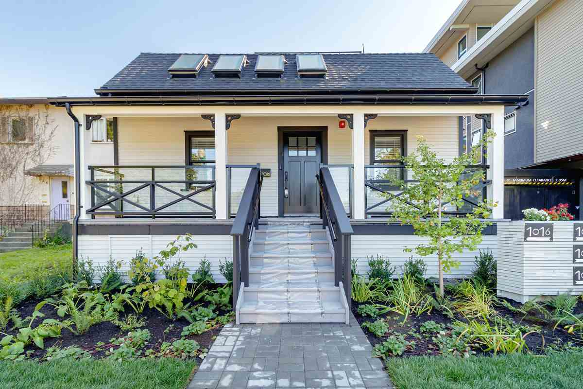 FEATURED LISTING: 1016 7TH Avenue East Vancouver