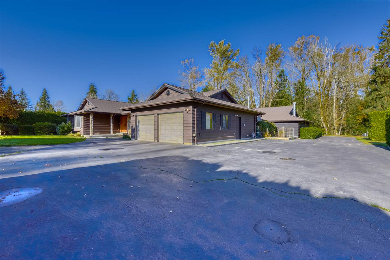 FEATURED LISTING: 24937 ROBERTSON Crescent Langley