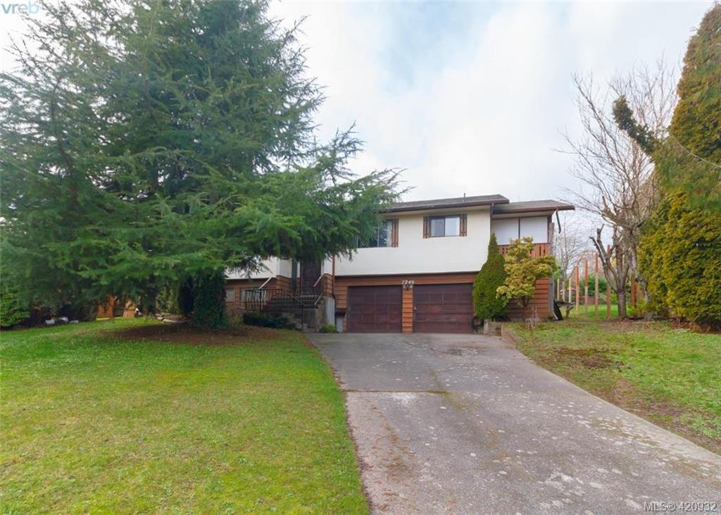 FEATURED LISTING: 7246 Walcer Pl SAANICHTON