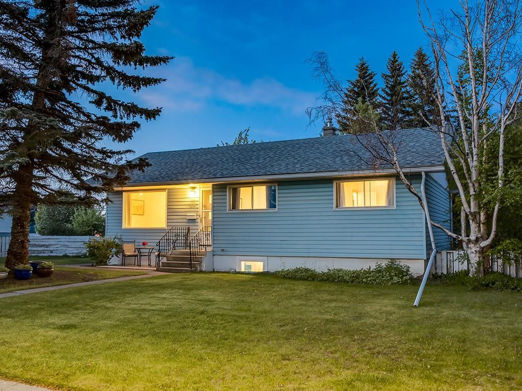 FEATURED LISTING: 32 GREENWOOD Crescent Southwest Calgary