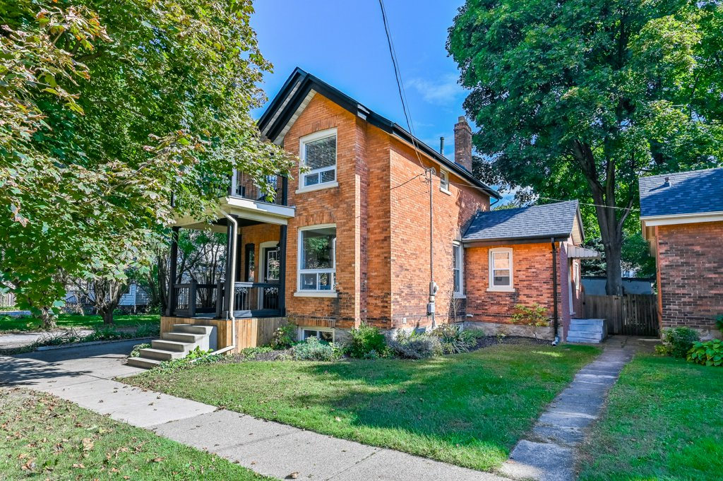 FEATURED LISTING: 8 York Street St. Catharines