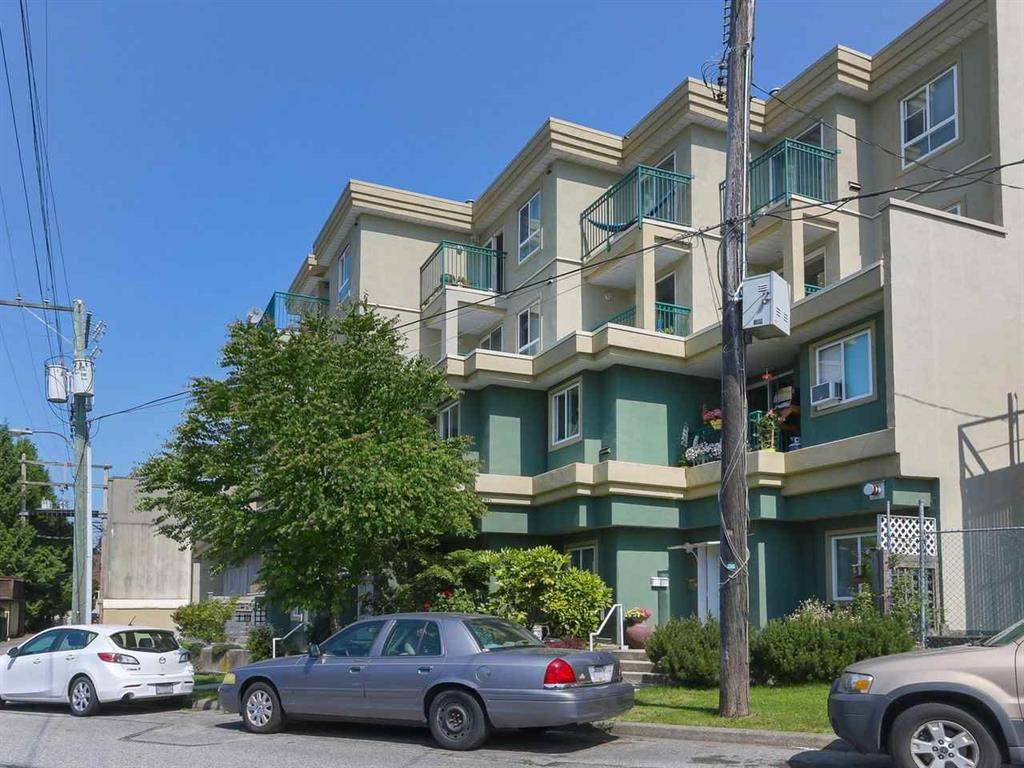 FEATURED LISTING: PH2 - 868 KINGSWAY Vancouver