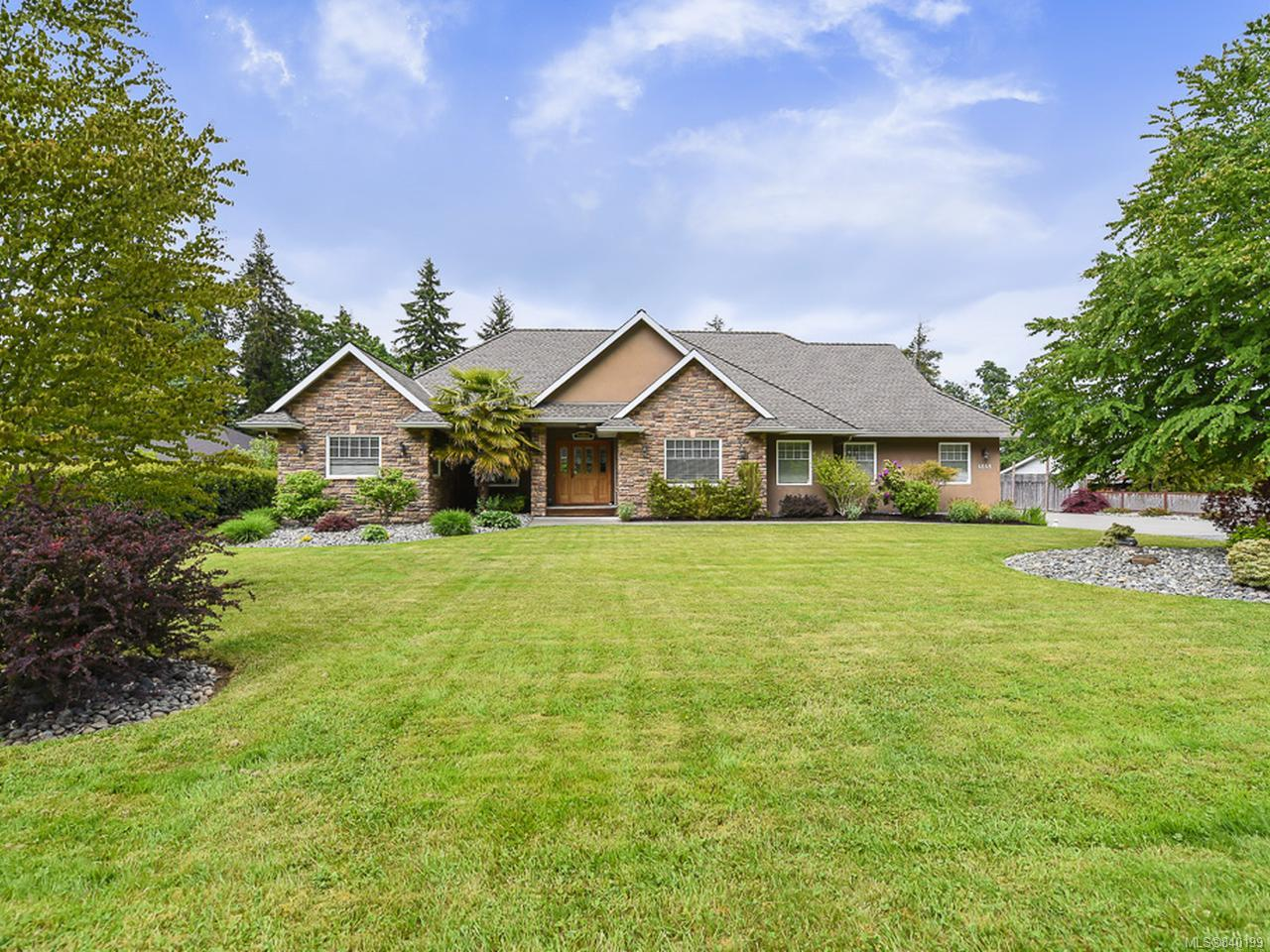 FEATURED LISTING: 4648 Montrose Dr COURTENAY