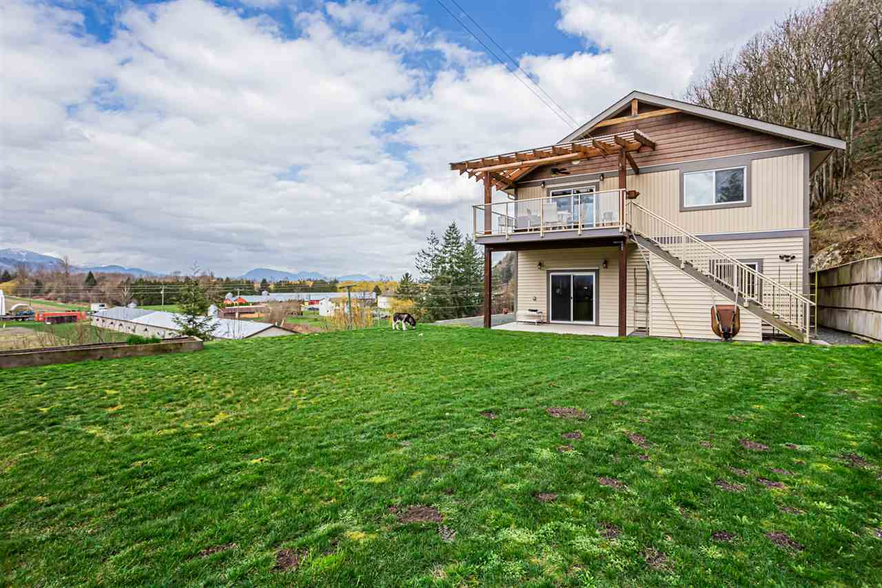 FEATURED LISTING: 42950 VEDDER MOUNTAIN Road Yarrow