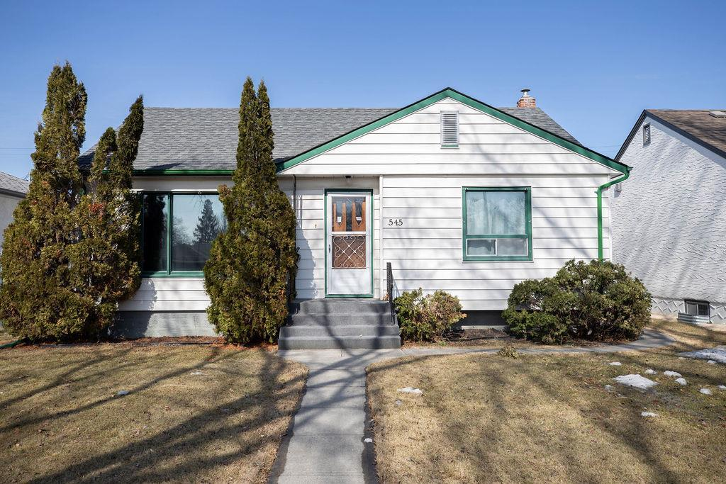 FEATURED LISTING: 545 Rupertsland Avenue Winnipeg