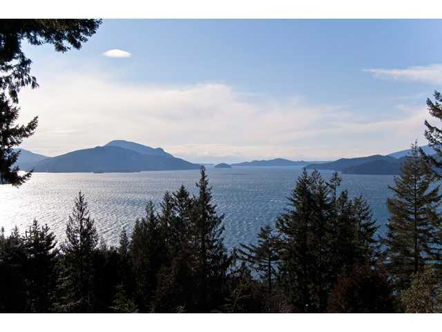 Photo 2: 307 Bayview: Lions Bay House for sale (West Vancouver)  : MLS(r) # V915466
