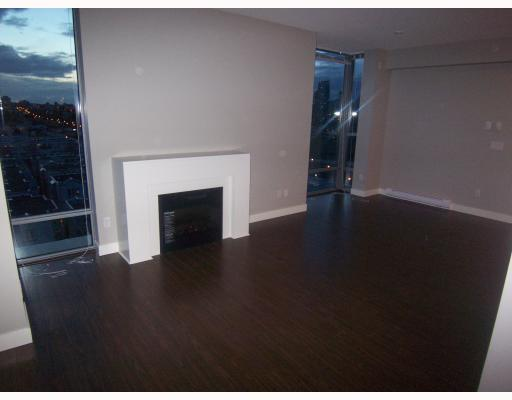 "Photo 4: PH3 587 W 7TH Avenue in Vancouver: Fairview VW Condo for sale in ""AFFINITI"" (Vancouver West)  : MLS® # V696581"