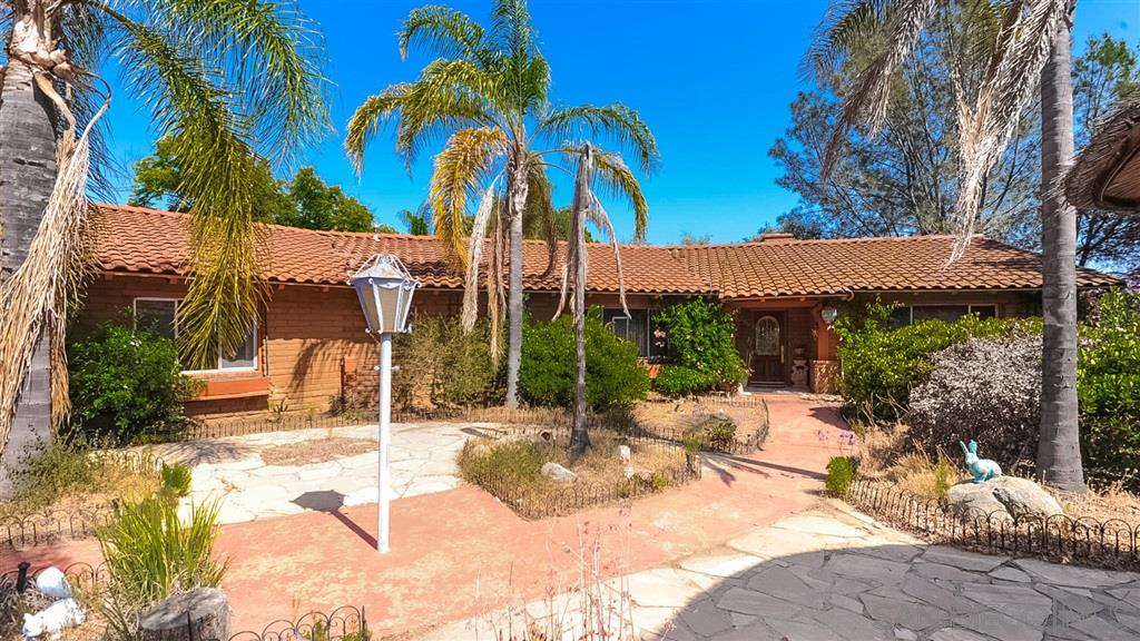 FEATURED LISTING: 1766 Treseder Cir El Cajon