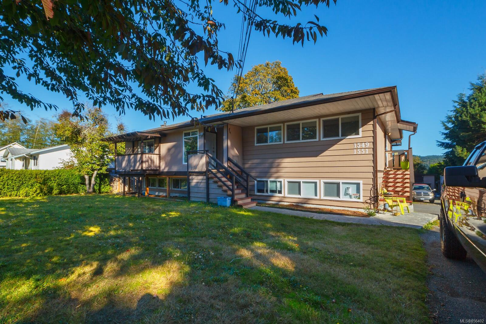 FEATURED LISTING: 1549 Dufour Rd