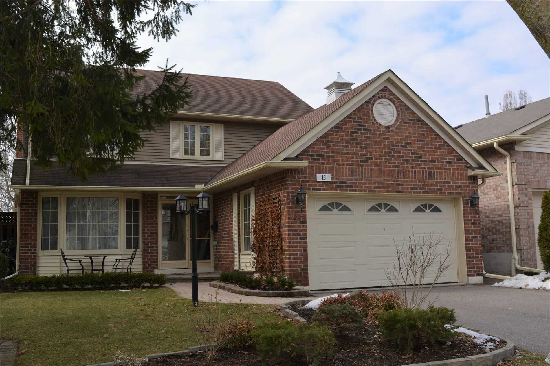 FEATURED LISTING: 16 Broadbridge Crescent Toronto